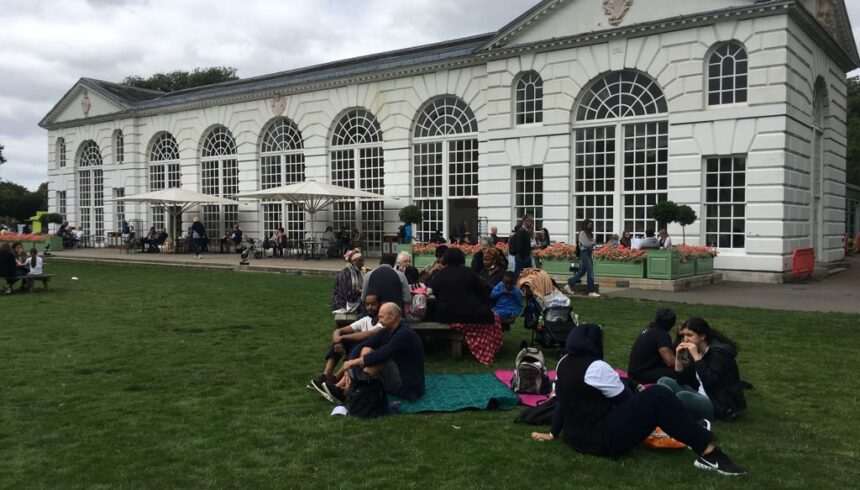"""Refugee friends visit Kew Gardens in """"fabulous and memorable"""" outing"""